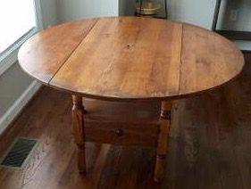 Broyhill Attic Heirlooms Petite Drop Leaf Table In Oak Stain Broyhill Drop Leaf Table Oak Stain