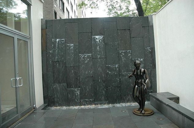 Patio water wall new york city pond and water wall project for Teich design new york