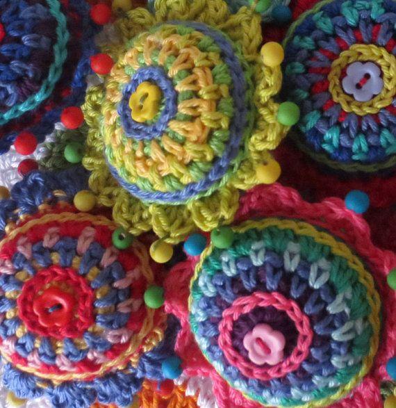 Crochet Christmas Baubles Pattern | Adornos de navidad, Crochet ...