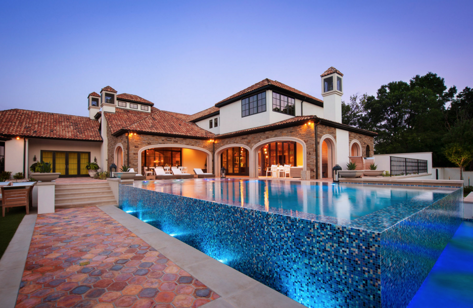 Spieth, who made $53 million in 2015, seems to have gotten a decent deal for himself. Click through for more pictures of Jordan Spieth's home.