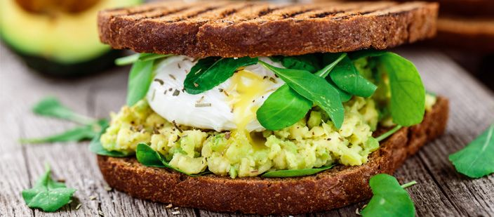 A healthy breakfast can be the start to a great day. Try out these 10 delicious healthy breakfast ideas. From avocado toast with egg to breakfast smoothies to spinach and bacon omelets, these are great-tasting and great for you.