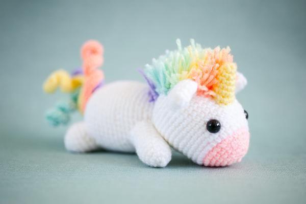 Amigurumi Unicorn : Lazy rainbow unicorn amigurumi crochet pattern tiny rabbit hole
