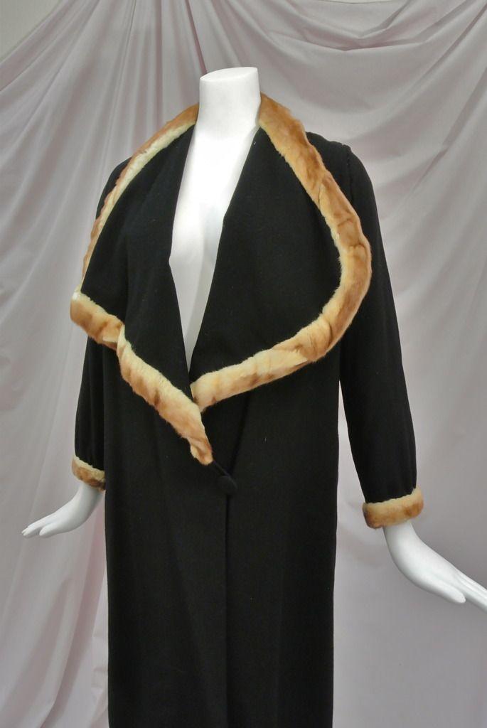 1920's Black Wool Flapper Coat Huge Draped Collar,Mink Trim,Scalloped Cape. Detail