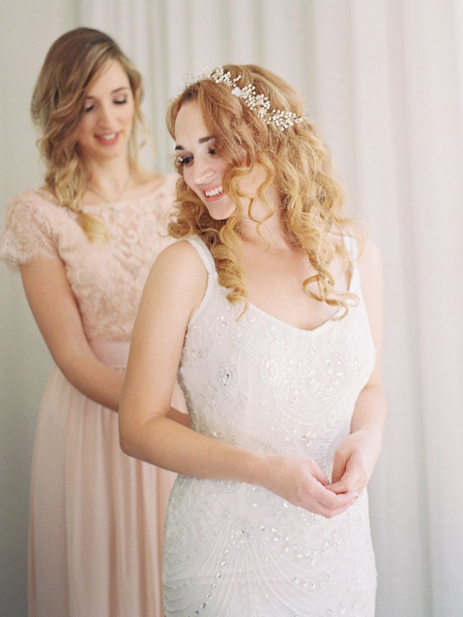 35 Wedding Hairstyles To Show Off Your Curly Hair Hairstyles For Long Dresses Curly Wedding Hair Curly Hair Styles [ 1200 x 900 Pixel ]