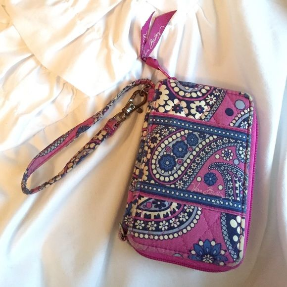 3d1a84f86542 Retired Vera Bradley Wristlet in Boysenberry Pre-loved. Can be washed.  Retired print. Also on Tradesy! Vera Bradley Bags Clutches   Wristlets