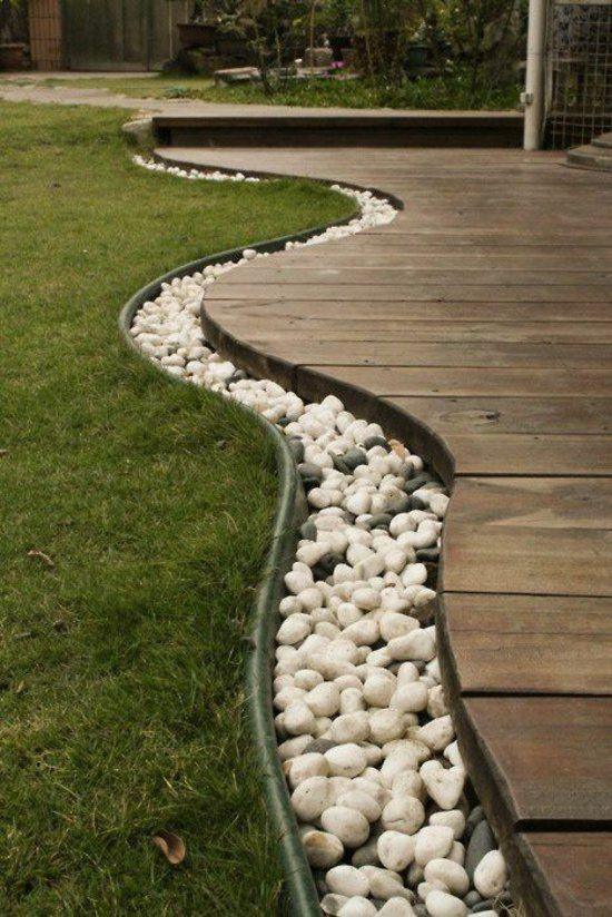 vorgartengestaltung ideen mit holz kieselsteinen und rasen | Garten ...