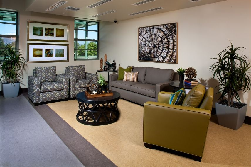 Sepulveda VA | Large Sitting Area | Affordable Housing | #waitingroom  #sittingarea #commercialdesign