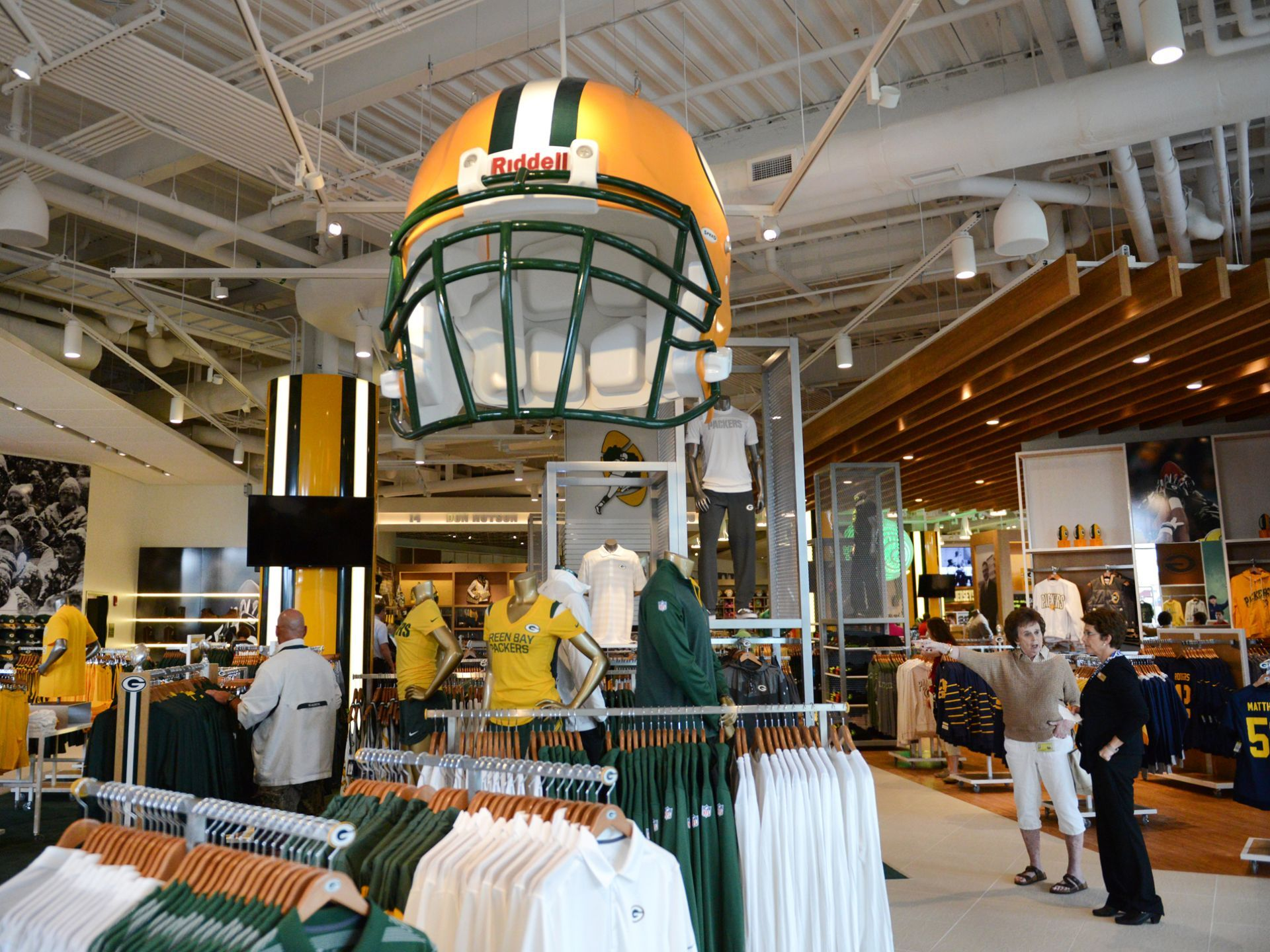 The New Expanded Packers Pro Shop At Lambeau Field Holds An Employee Shopping Event Wednesday July 16 2014 Packers Pro Shop Lambeau Field Packers