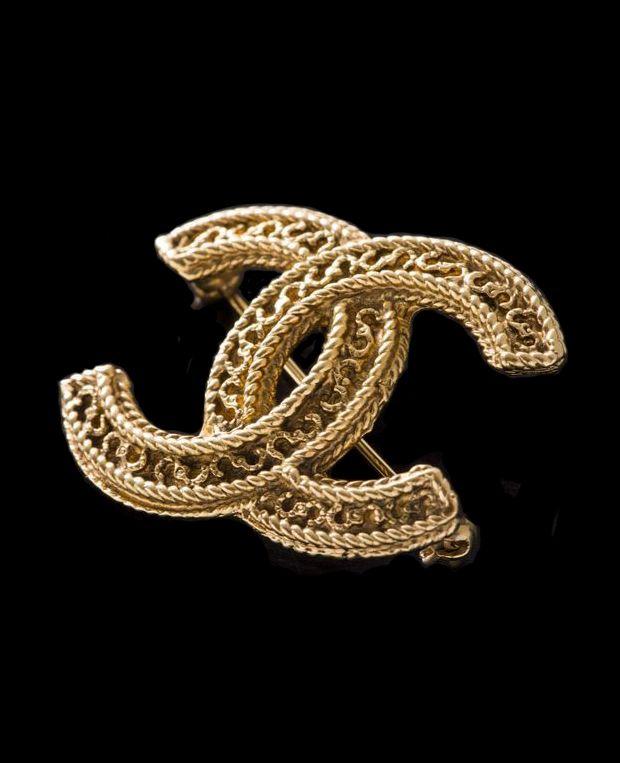 ♔ Chanel brooch