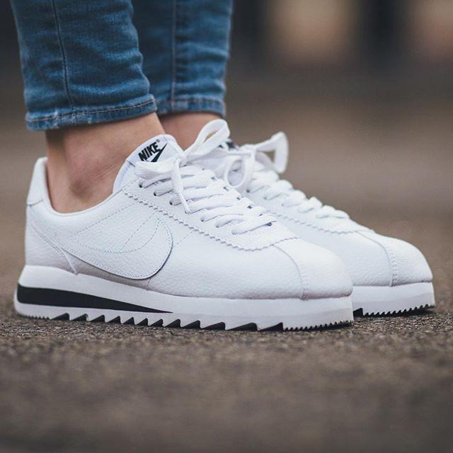 Women's Nike Wmns Classic Cortez 15 Fleece TP Tech Pack Tumbled Grey Black White Sneakers : A41w2586