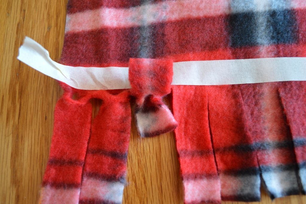 How to make a fleece scarf | Fleece scarf, Art club and Scarves