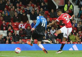 Blog Esportivo do Suíço:  United vence o Bournemouth em jogo marcado por protestos a Van Gaal