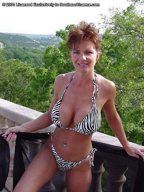 swimsuit competition Deauxma