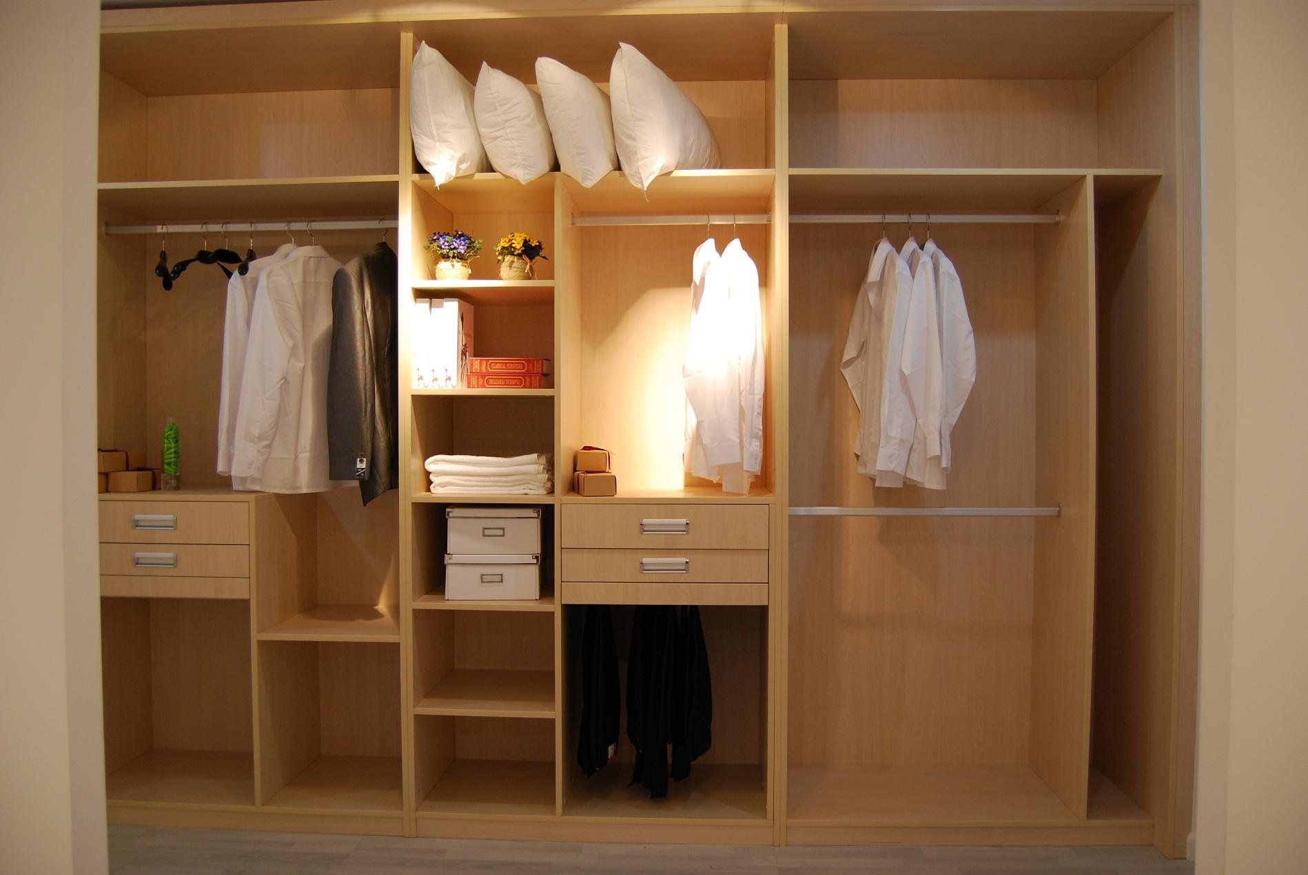 Moderno armario de melamina armarios gabinetes roperos for Armarios altos para dormitorio