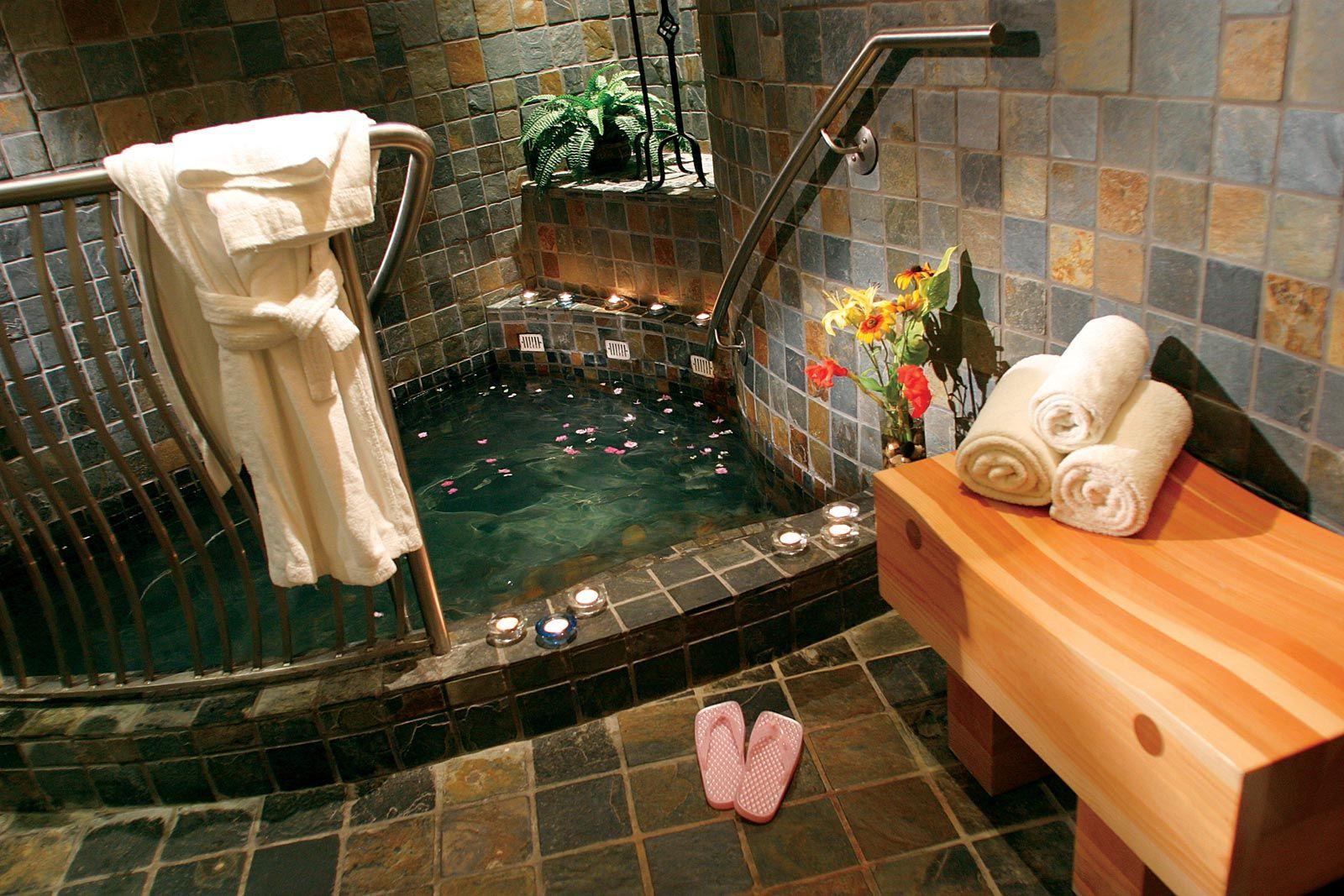 Harrison Hot springs Resort & Spa love get away weekends here ...