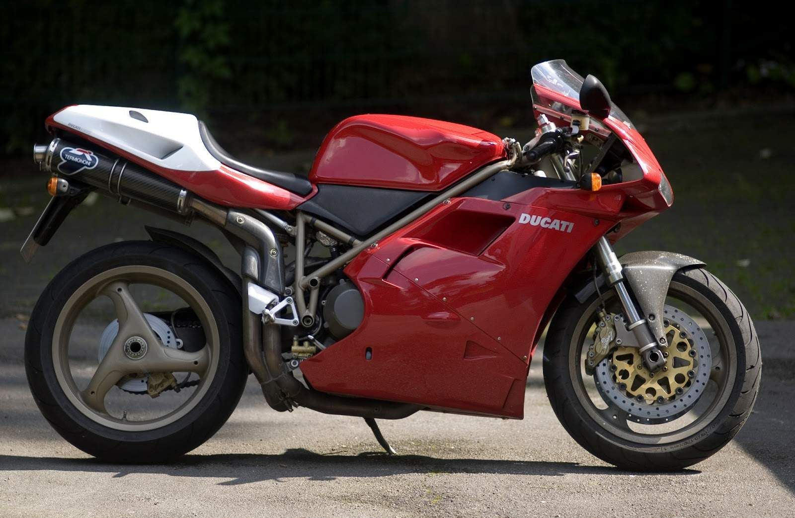 The 1999 My Ducati 916sps Has Standard Features Such As An Ohlins