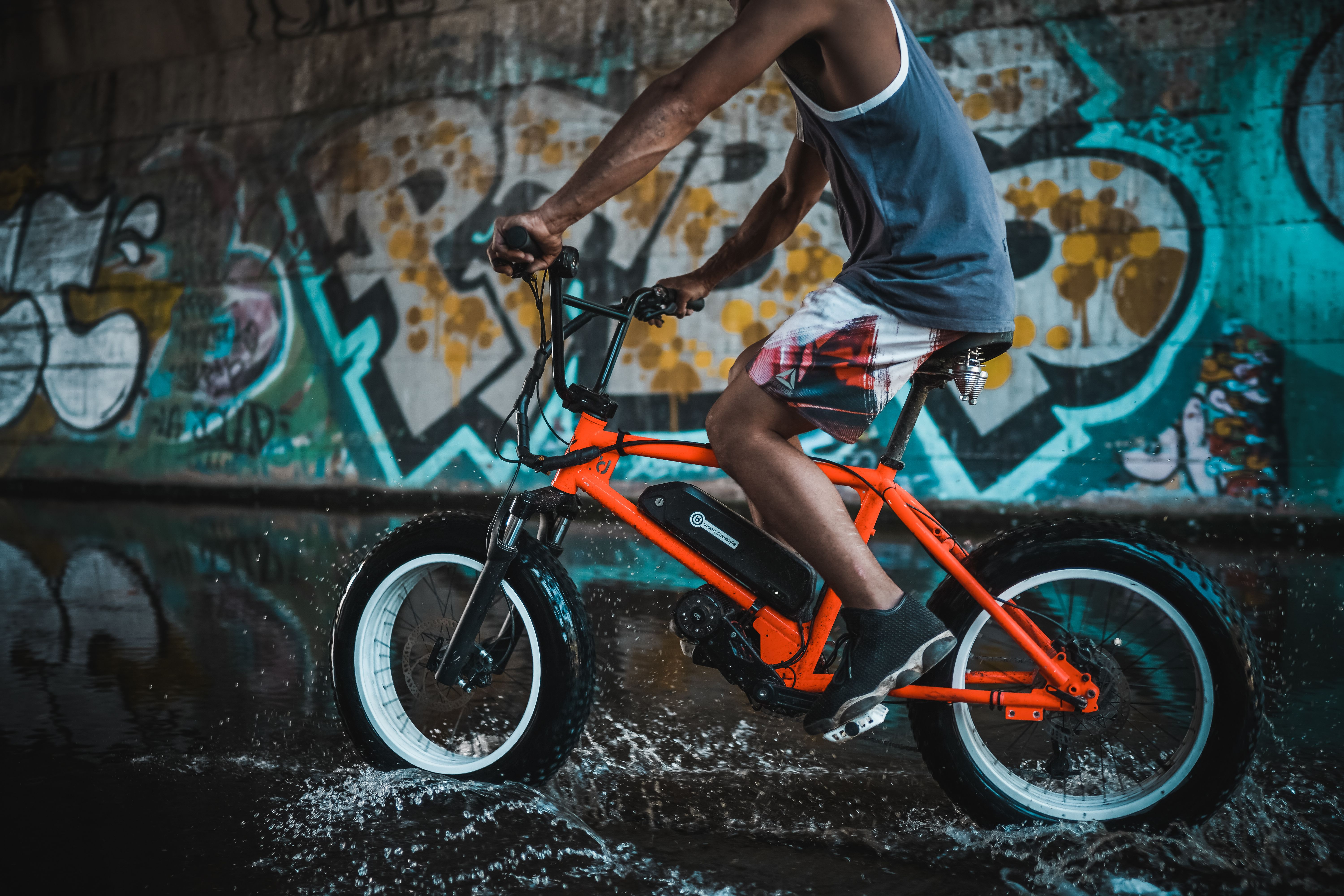 The UDX is the electric revival of the classic BMX bike!  Choose between full suspension, suspension fork or rugged steel frame and five frame colors.  Mount the UDX battery in three different ways whenever you want. Or maybe an extra battery for a little more power and range?