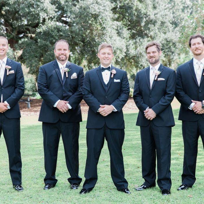 6 Things Grooms MUST Do The Day of Their Wedding | Black tuxedos ...