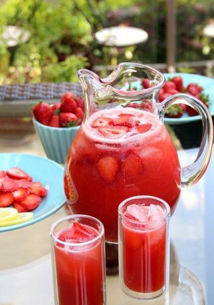 Blueberries or peaches lemonade? Pucker up! [PHOTOS]
