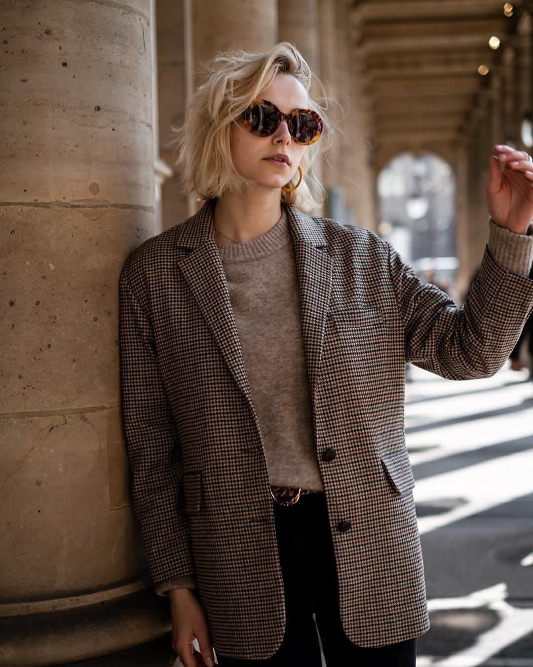 American Vintage Officiel On Instagram The Perfect Timeless Blazer Americanvintage Wome Classy Work Outfits Casual Outfit Inspiration Blazer Street Style