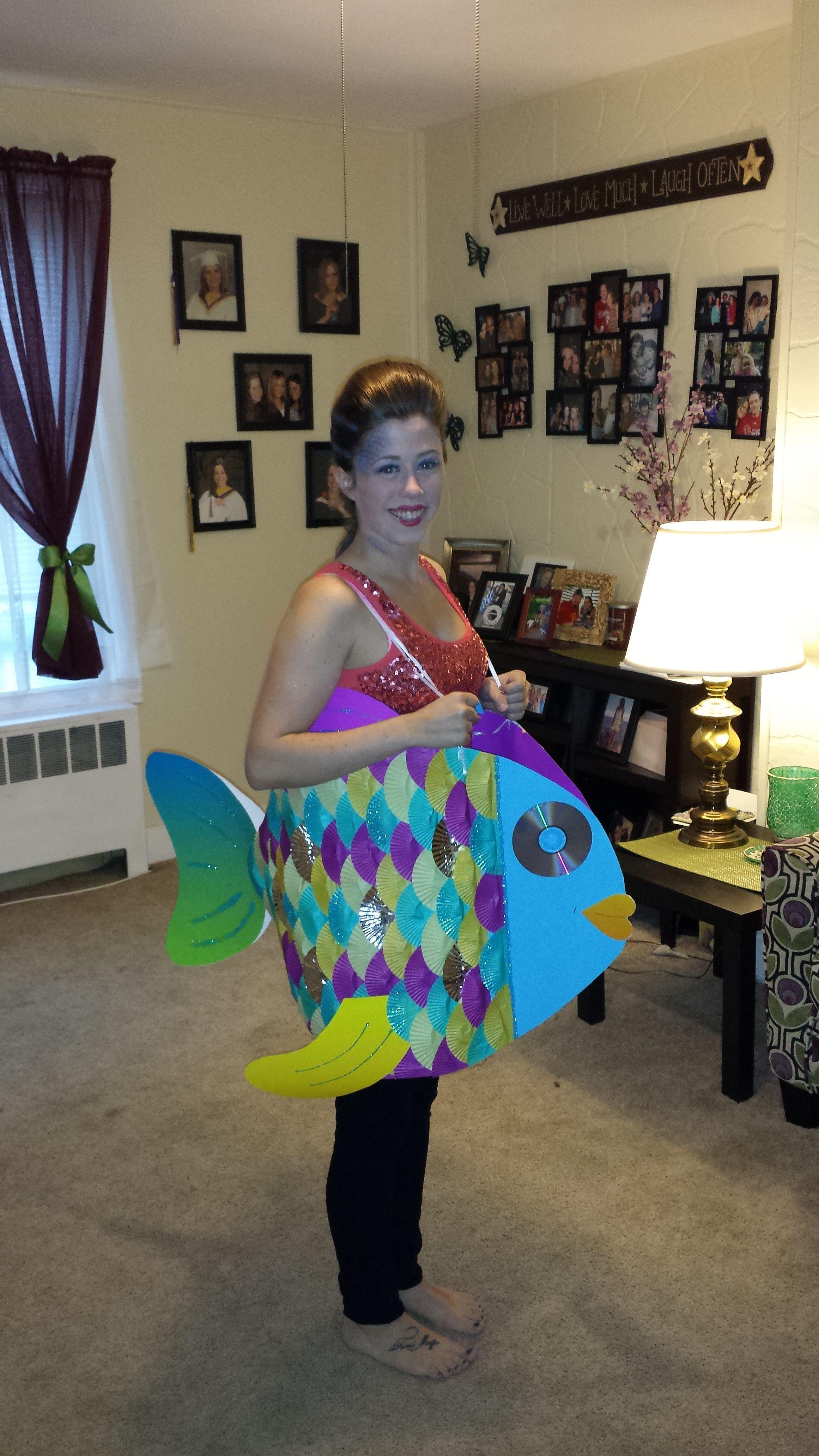rainbow fish halloween costume poster board cupcake. Black Bedroom Furniture Sets. Home Design Ideas