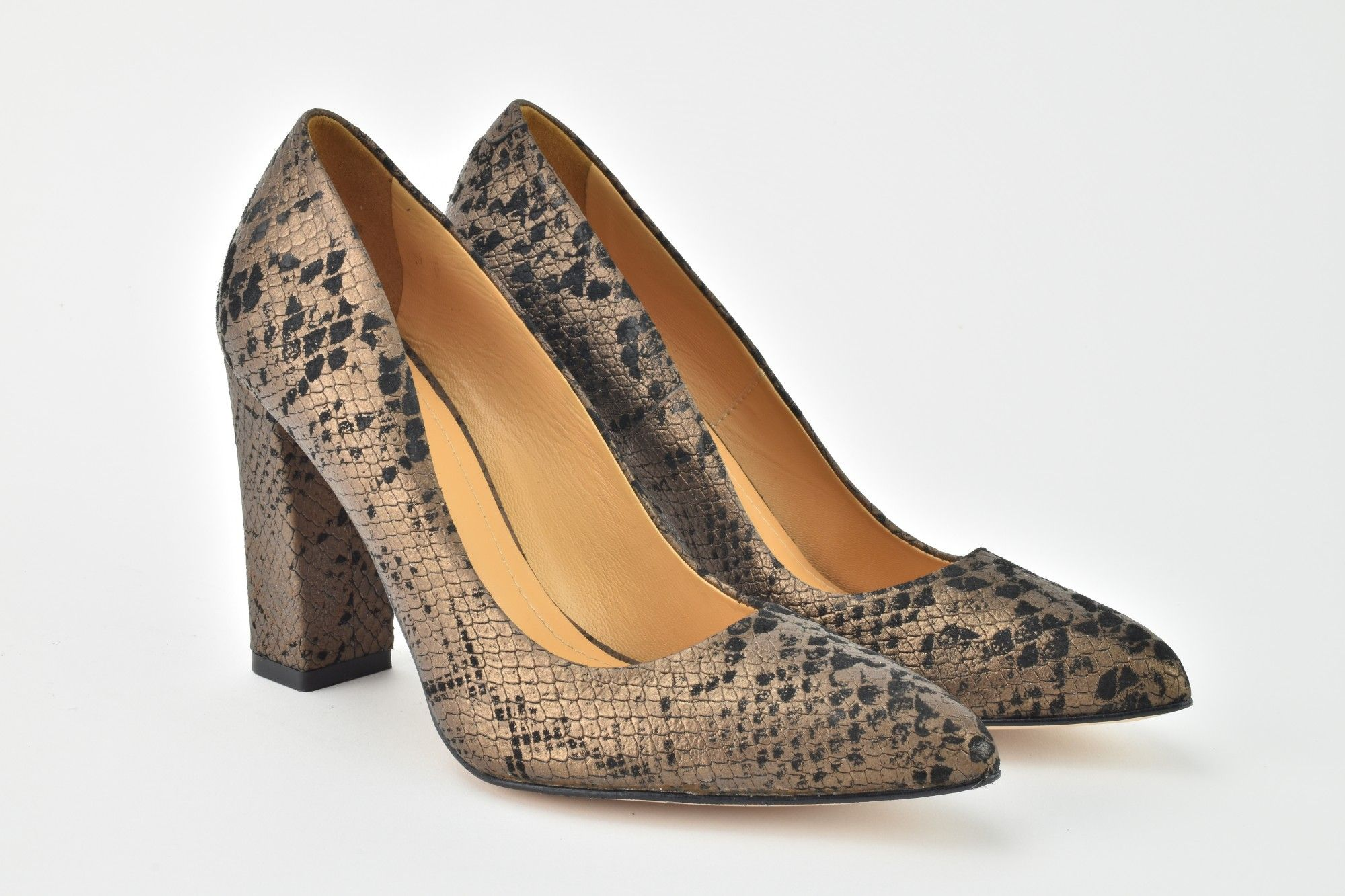 Czolenka Z Wezowym Motywem Shoes Fashion Flats