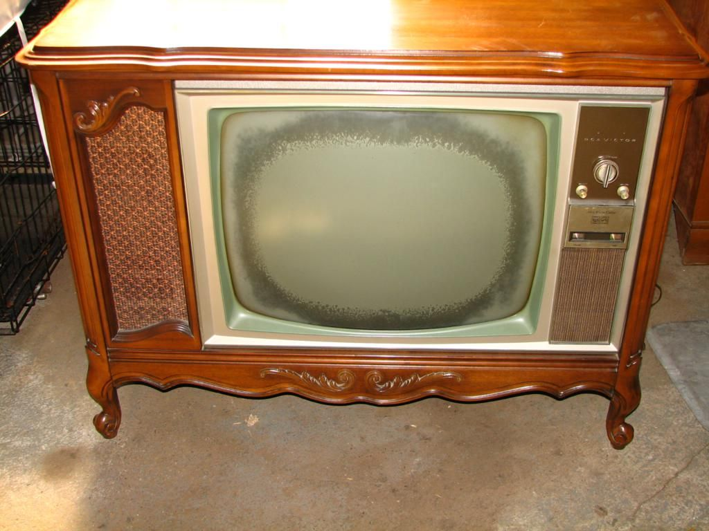 1970 S Console Tv Makeover Old Tv Consoles Old Tv Tv Console What is a console tv