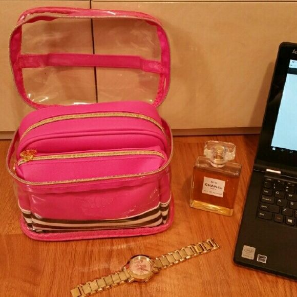 ❤NWT Cosmetic Bags 3 in 1 cosmetic bags in perfect condition.  Never used Bags Cosmetic Bags & Cases