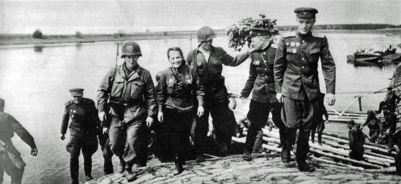 Resultado de imagen de SOVIET ALLIED TROOPS elbe river