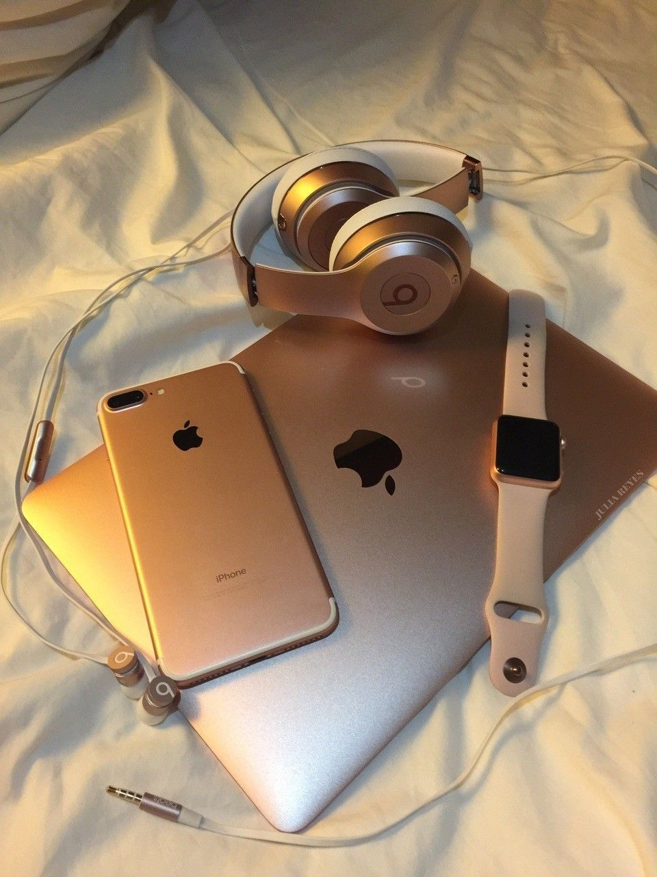 Iphone Beats Macbook Watch Just Apple With Images Apple Products Apple Laptop Macbook Electronics Apple