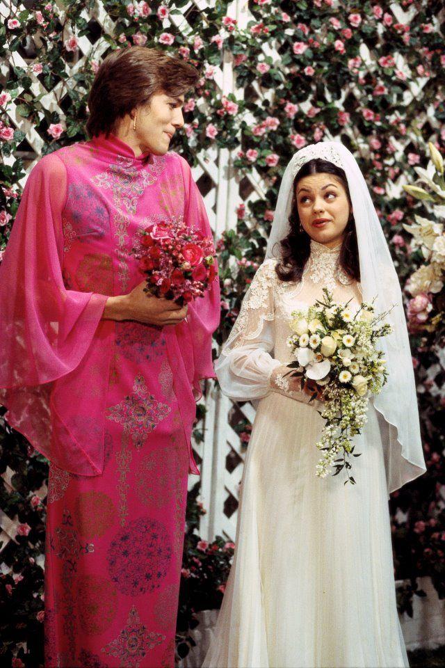 Mila Kunis And Ashton Kutcher Wedding.404518 317182428322018 1661476738 N Awesome That 70s Show