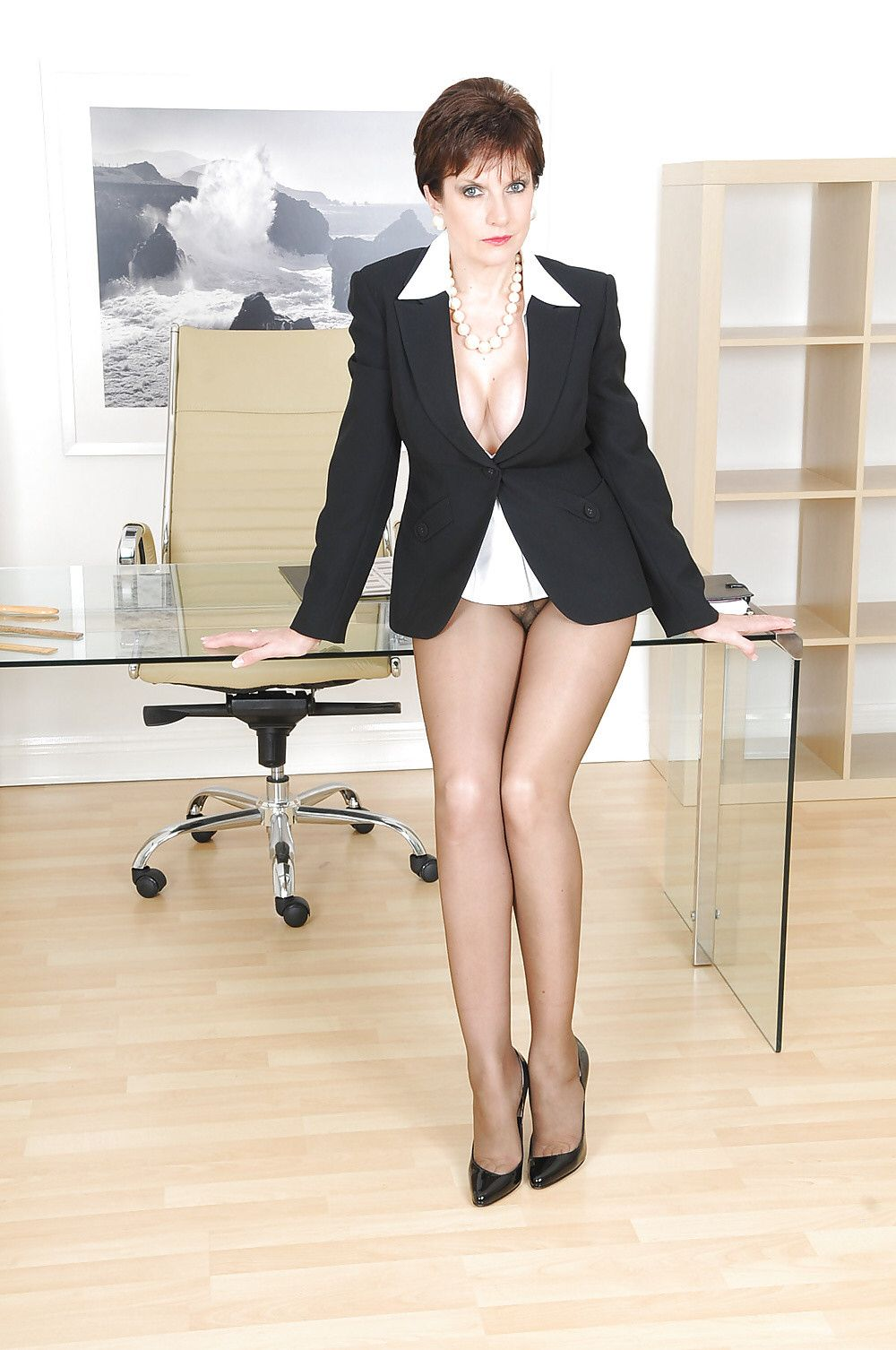Fetish in lady office sonia