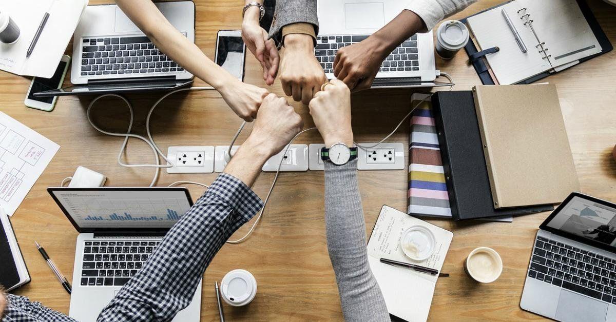 LinkedIn Marketing Solutions | LinkedIn | Staff meetings ...