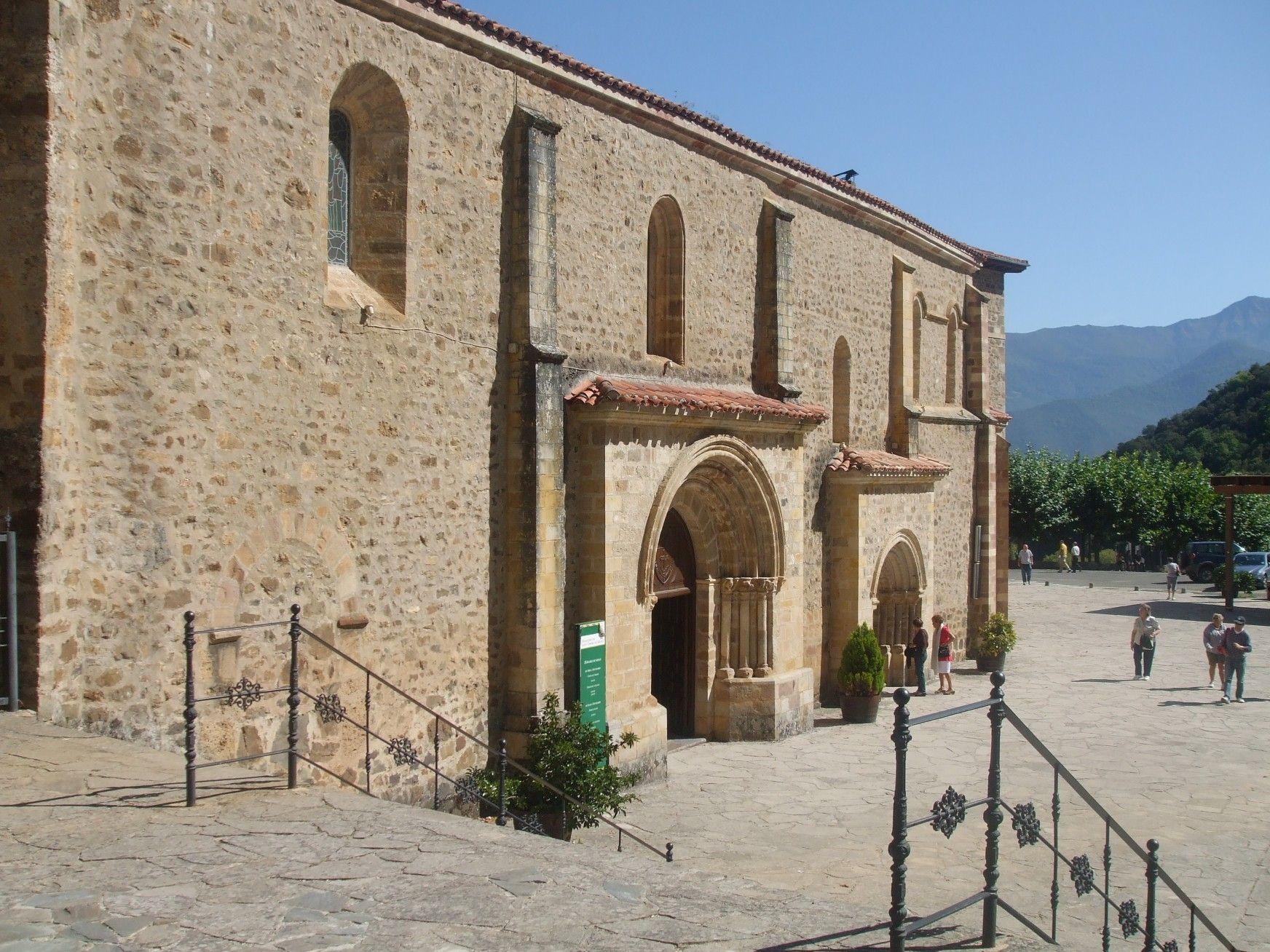 Monasterio De Santo Toribio De Liébana Camaleño Cantabria Viajes Camaleño País Vasco