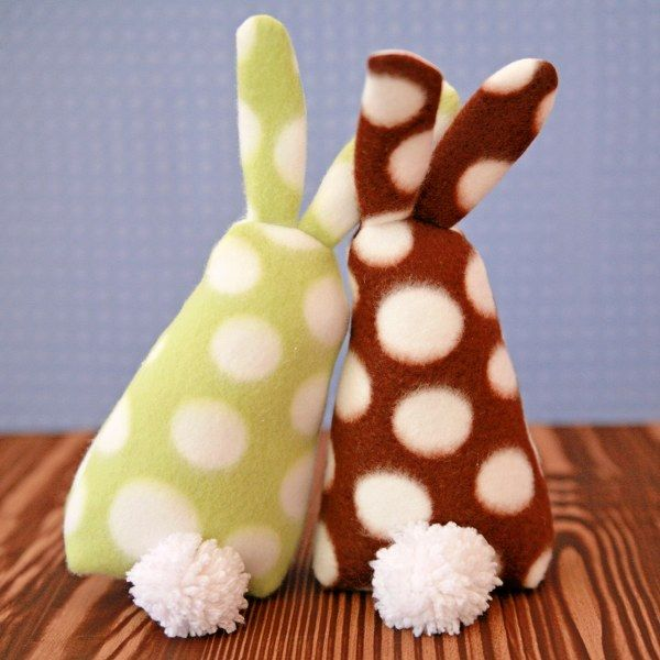 Sweet Bunnies •Pattern included •Tutorial •Kinda not diggin the button eyes; Embroider instead