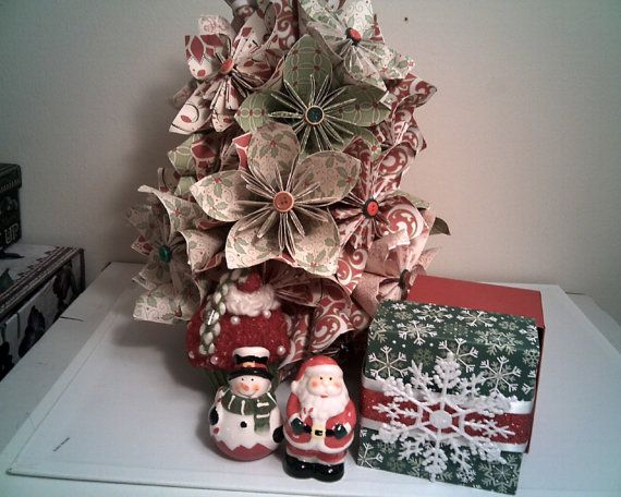 Origami Star CHRISTMAS TREE Paper Flowers Centerpiece Bouquet Knit Cupcake Button Ornament Table Top Xmas Holiday Decor Salt & Pepper Shaker