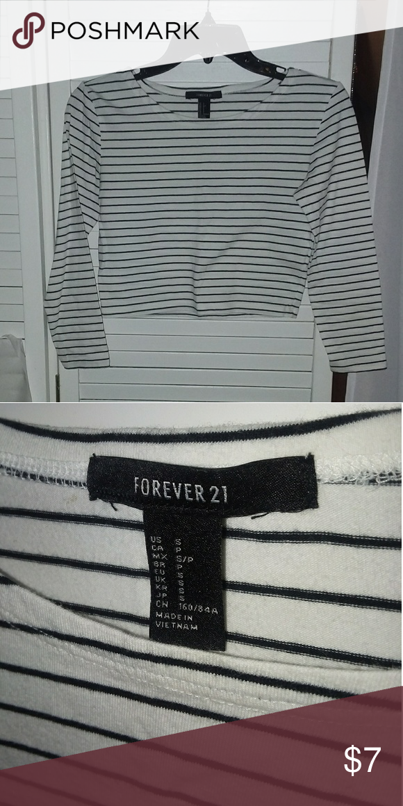 826183ab21 Black & white striped long sleeve crop top Forever 21 long sleeve crop top,  size S. Used once. Super comfortable :) Forever 21 Tops Crop Tops