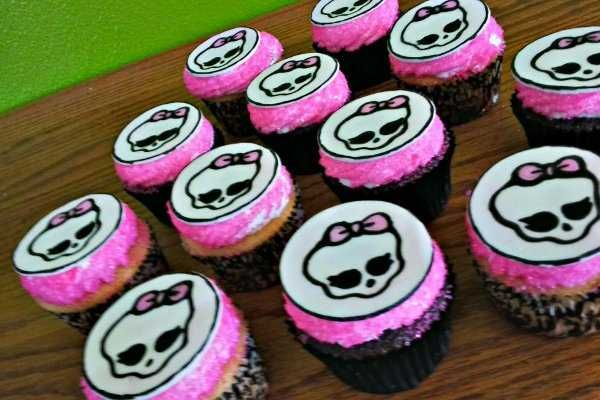 monster+high+cupcakes = Lily