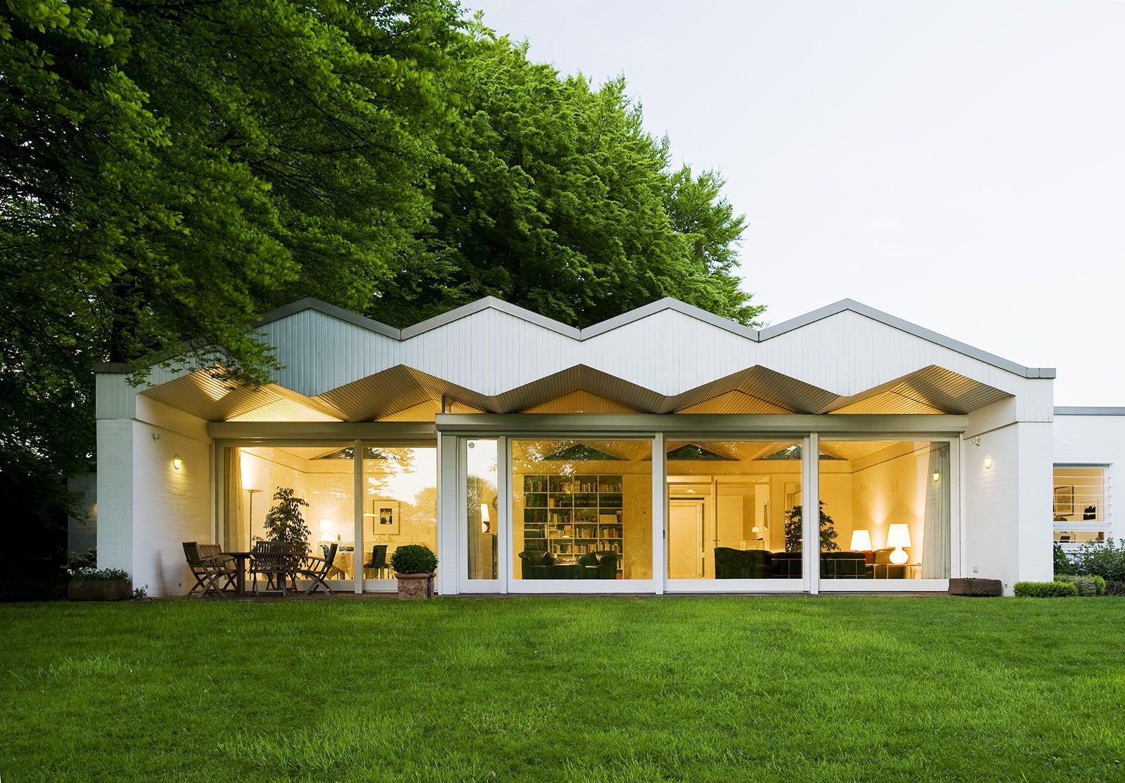 Bungalow In Moers Architekturfoto Von Mark Wohlrab Arch Walter Brune Barrierefreies Wohnen Erstaunliche Architektur Barrierefreies Bauen