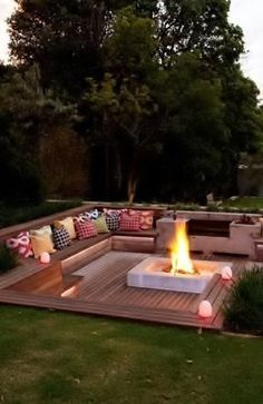 Creative Fire Pit Designs and DIY Options #backyardoasis