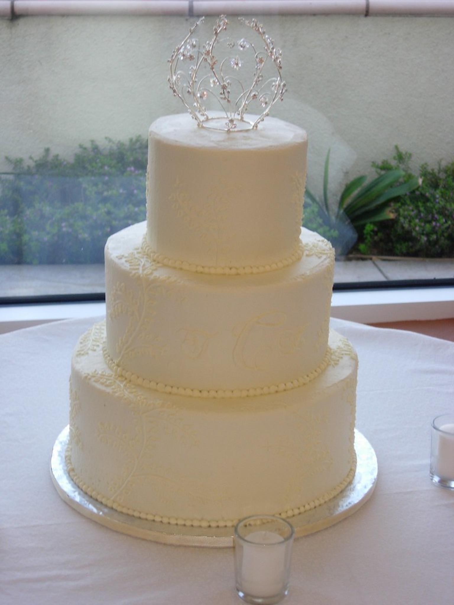 Wedding Cake Makers Near Me In 2020 Modern Wedding Cake Wedding Cake Prices Wedding Cake Maker