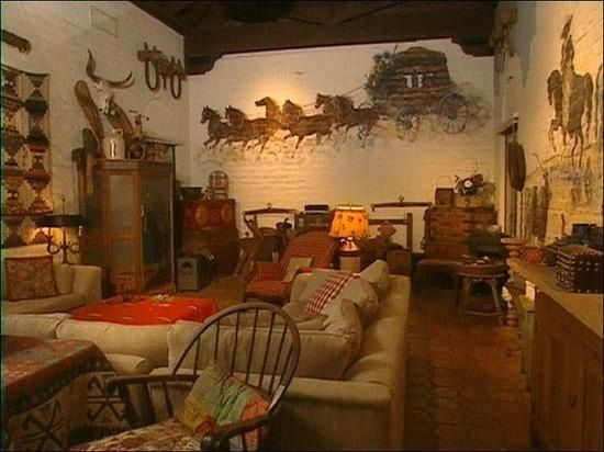 cool western style living room | Western themed room | Beautiful Homes and Interiors ...