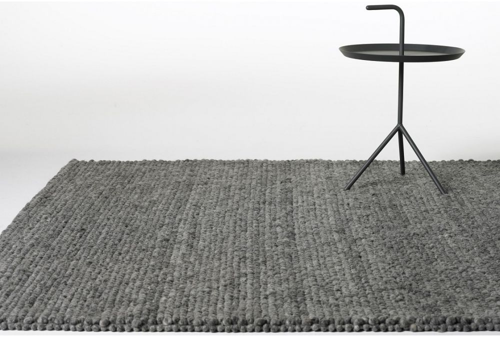 Hay Works With Selected Local Rug Weaving Firms In India And Nepal To Provide Vital Jobs Secure A High Level Of Craftsmanship Peas Is