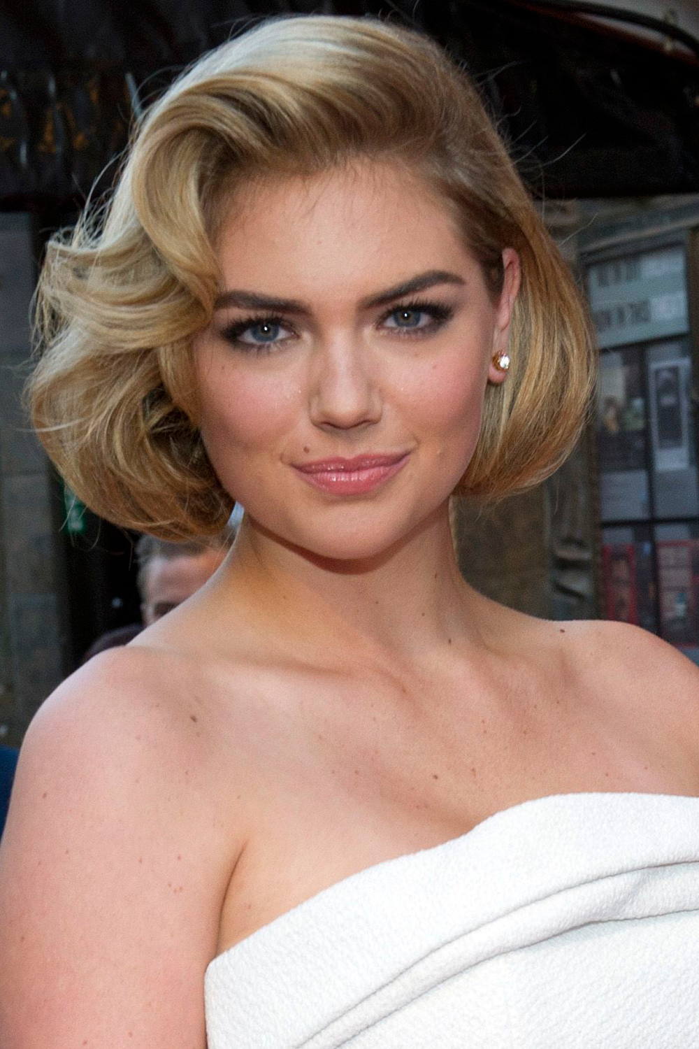 Kate Upton: The 7 Hairstyles Of The Queen Of The Updo