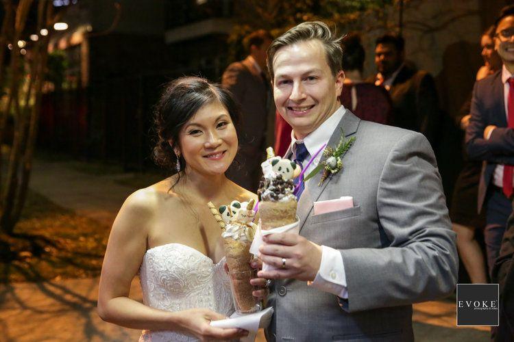 Houston Texas Wedding Coordinator Angela Nix Florist Rob Smith Events In Bloom Venue The Corinthi Houston Wedding Wedding Wedding Coordinator