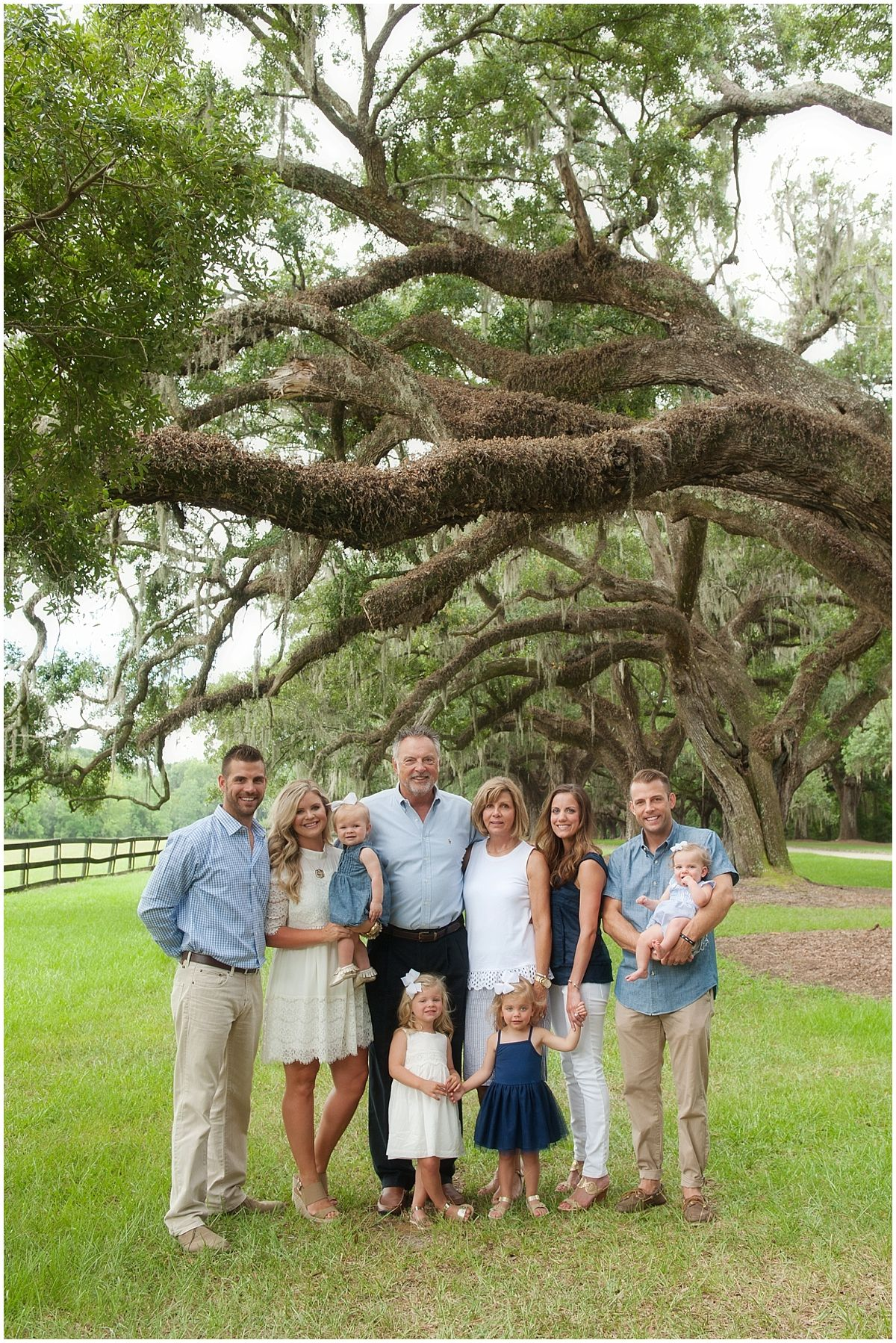 Charleston Family Photos, Neutral Family Photo Outfits, What to wear for family photos #familyphotooutfits