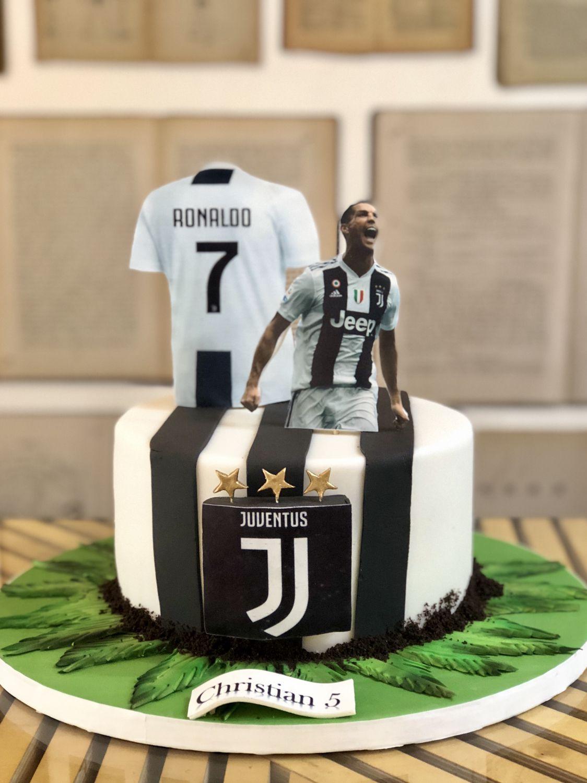 Juventus Cake Ronaldo Nel 2019 Torte Di Compleanno Calcio