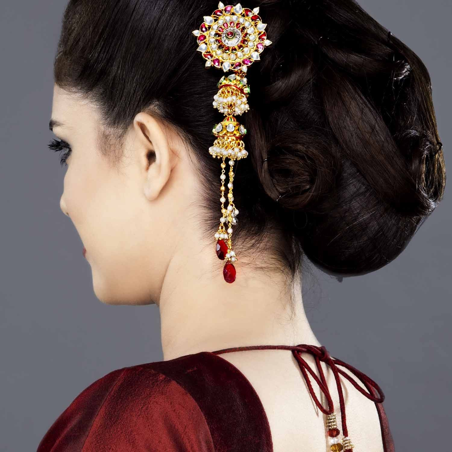 Simple Juda Hairstyle For Wedding: Kundan Jadau Juda Pin