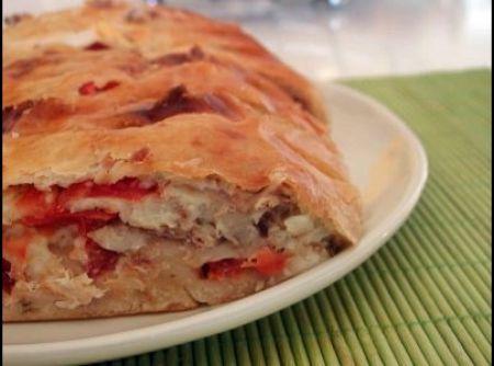 P�o de mandioca com recheio de frango e tomate seco - Veja mais em: http://www.cybercook.com.br/receita-de-pao-de-mandioca-com-recheio-de-frango-e-tomate-seco.html?codigo=94122