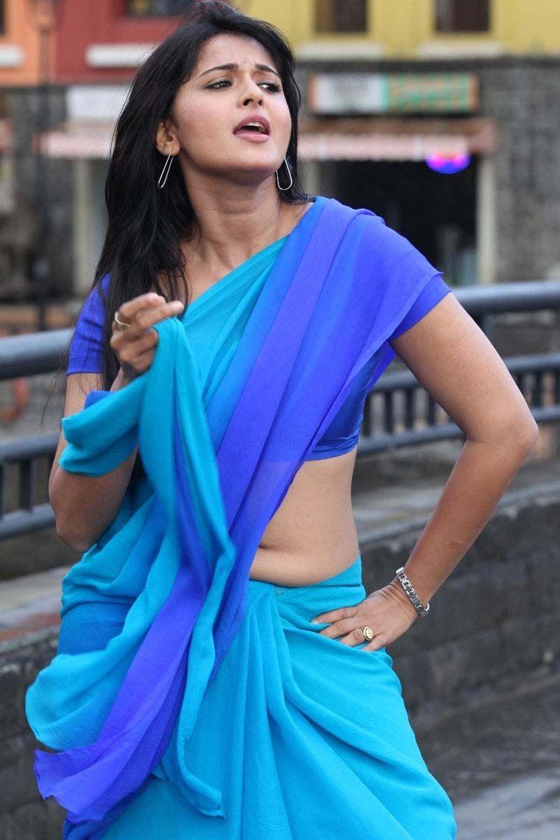 actress anushka shetty in saree hot photo in childhood